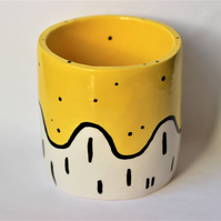 Ceramic yellow pot