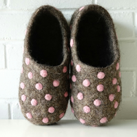 Natural brown wool handmade felted felt slippers, house shoes, clogs
