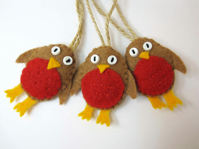 Robin Felt Decoration
