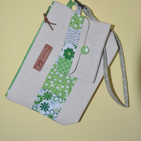 SALE HALF PRICE The Green Wristlet Bag and Mini Purse Wallet Set