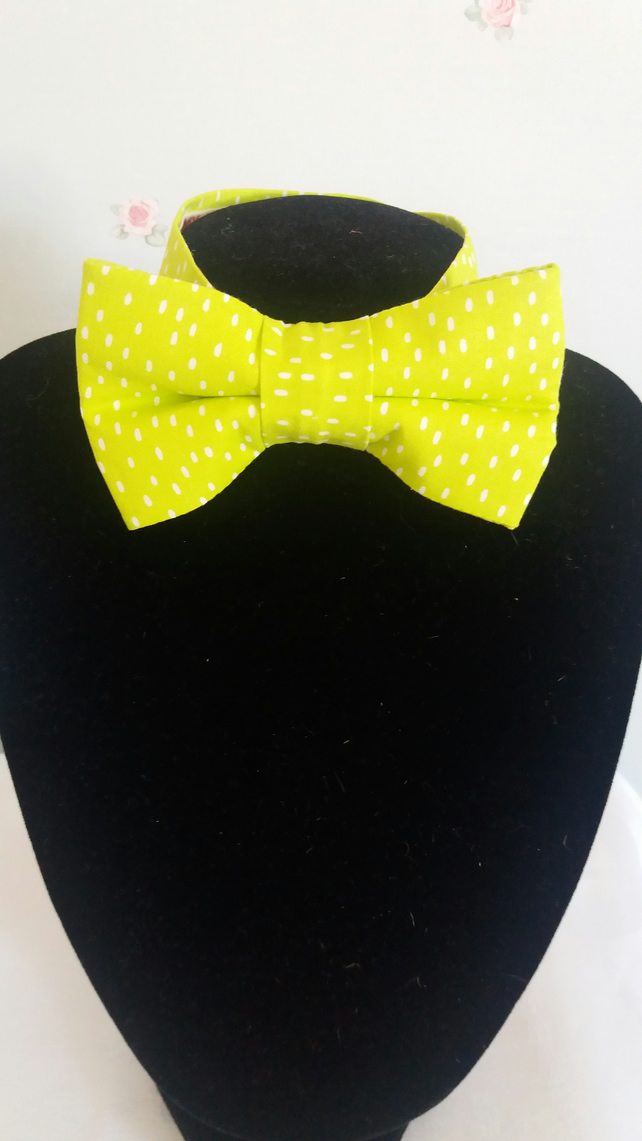 Boys lime green bow tie