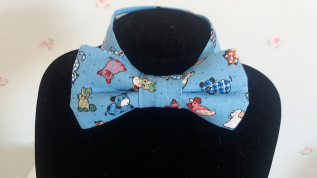 Cats and Dogs print bow tie