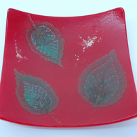 Uniquel Leaf inclusion Fused Glass Dish