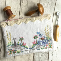 Vintage Linen Hand Embroidered Zipped Bag