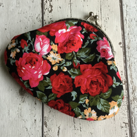 Dark Floral Themed Fabric Clasp Coin Purse