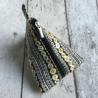 Button & Lace Themed Black & Cream Fabric Pyramid Purse
