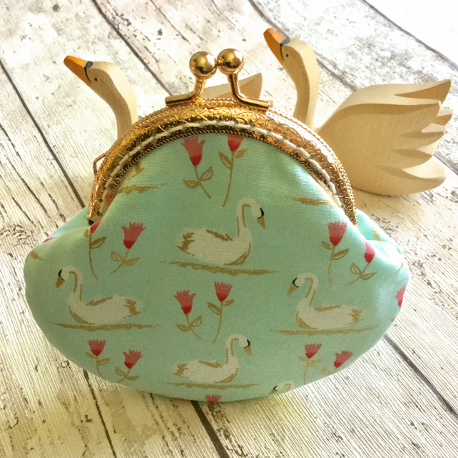 Swan Themed Fabric Clasp Coin Purse