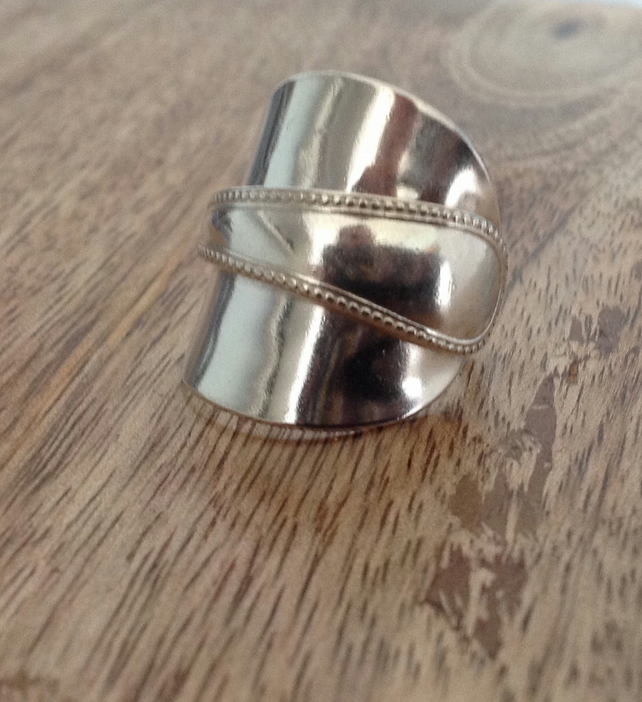 Handcrafted Silver Vintage Cutlery - Spoon Ring 1946 - Size V