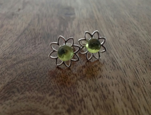 Peridot Gemstone Flower Sterling Silver Stud Earrings, Sterling Silver Stud