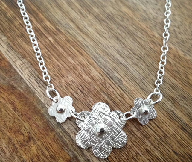 Three Daisy Sterling Silver Necklace, Flower Necklace, Daisy Necklace