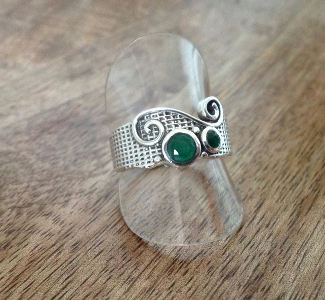 Emerald Green Ring, Sterling Silver Jewellery, Textured Ring, 925 Thumb Ring