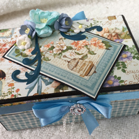 Blue flourish box