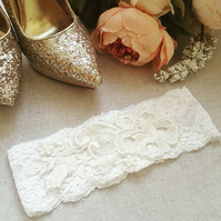 Ivory stretch lace bridal wedding garter, ivory applique