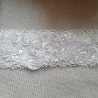White lace garter, bridal garter, wedding garter, lace garter