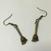 Cute witch harry wizard potter broomstick besom earrings in antique bronze