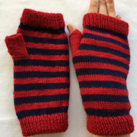 Fingerless, striped knitted gloves