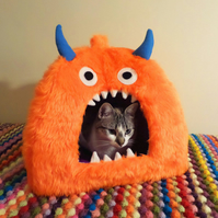 Monster Pet Bed, Cave, Igloo, Cat, Small Dog