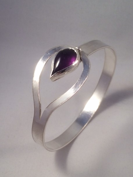 Maricela by Fedha - elegant sterling silver amethyst bangle