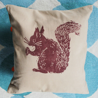 Big squirrel cushion cover
