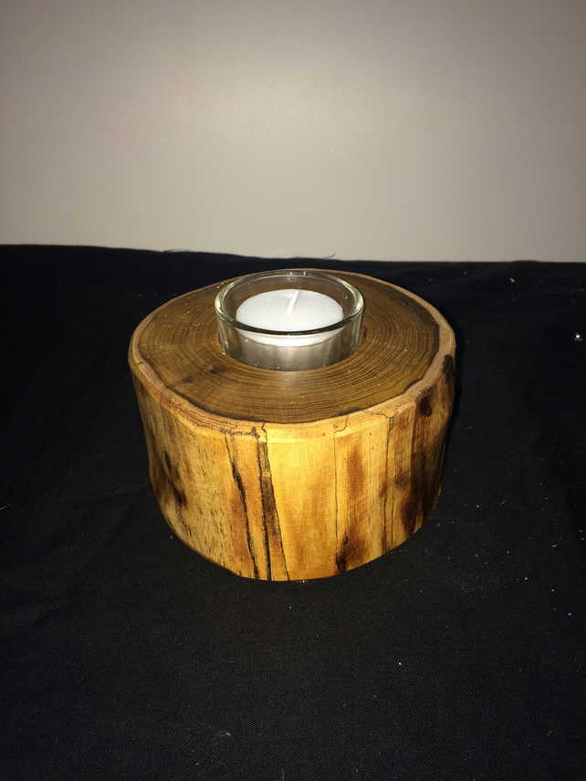 Laburnum tealight holder