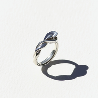Sterling Silver 'Pavo' twist ring