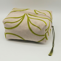 Green Leaf Make Up Bag