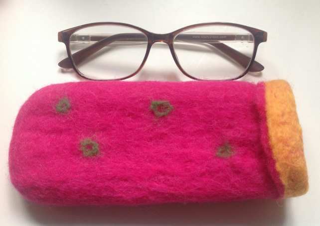 Handmade felt glasses pocket