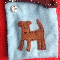 Handmade mini purse with appliqué dog detail design. Free UK p&p