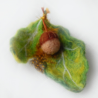 Oak leaf brooch with acorn Needle felted with gold thread detail