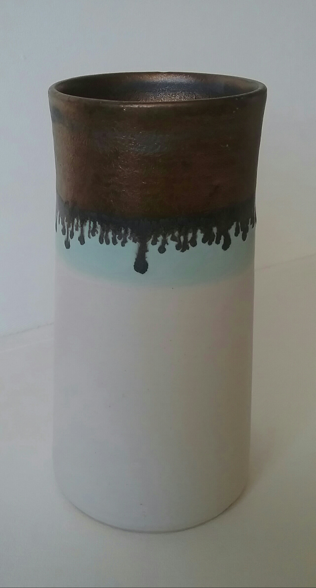 White and gold stoneware vase