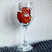 Highland Cow Wine Glass. Hand Painted. Personalised. Gift Idea