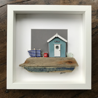 Turquoise Beach Hut with Cola-Cooler and Blue windbreak