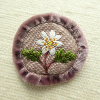 Wood anemone - hand stitched brooch