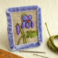 Sweet Violet - hand stitched brooch