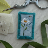 Daisy and Bee - textile brooch