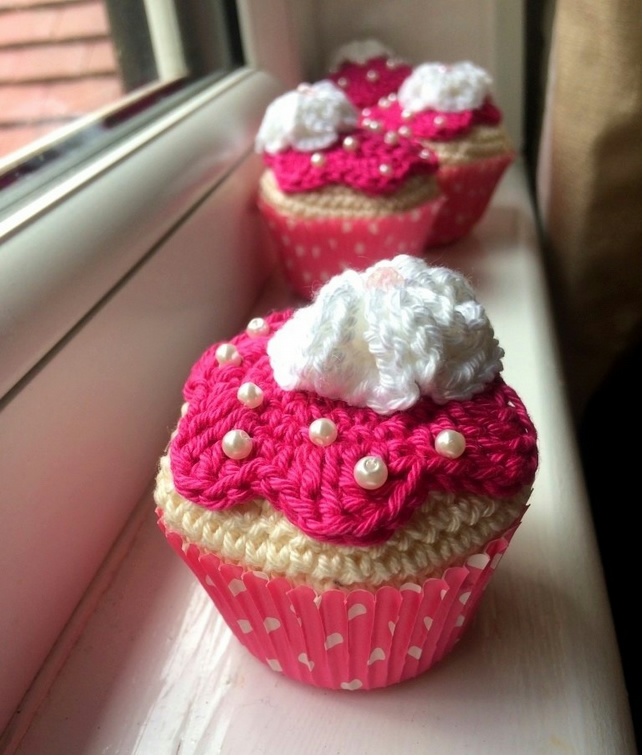 Crochet cupcake decoration