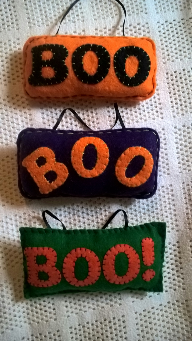 "set of 3 hanging ""BOO!"" Halloween decorations, 3 colours. ready to post!..."