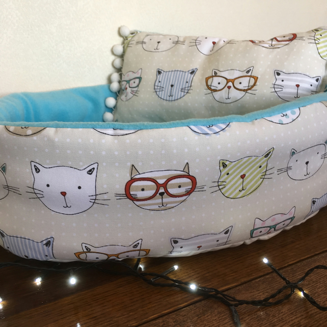 Cool Cats cat bed