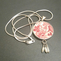 Red Broken China Pendant Statement Necklace