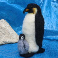 Needle Felting Kit for Beginners - Penguins, adult with chick