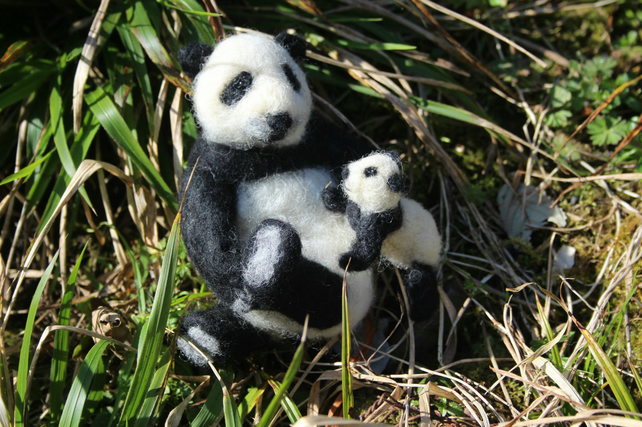 Panda and Cub starter felting kit. Easy to make!