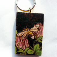 Pyrography BEE IN CLOVER wooden keyring