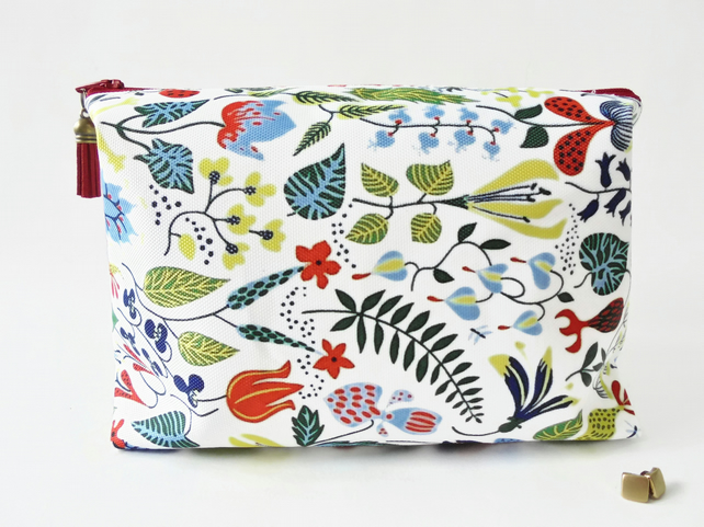 Wash bag, swedish print, woodland, vintage travel bag, cosmetic bag, zip bag