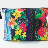 Wash bag, Tropical Glitch, Jungle print travel bag, cosmetic bag, zip bag