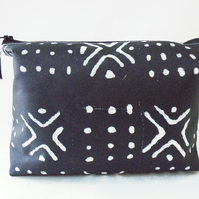 Wash bag, Mudcloth, Bogolan, african print, travel bag, cosmetic bag, zip bag