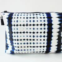 Wash bag, indigo, tie dye, shibori,  travel bag, cosmetic bag, zip bag