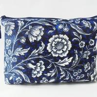 Wash bag, Navy Floral, vintage inspired travel bag, cosmetic bag, zip bag