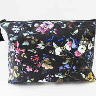 Dumpy make-up bag, Ditsy Floral, Boxy bag, ditsy floral, travel bag,