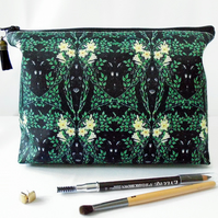 Wash bag, green, leafy greens, travel bag, cosmetic bag, zip bag, make up bag.