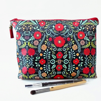 Folk cosmetics bag, dumpy bag, folky toiletry pouch, womens gift idea.